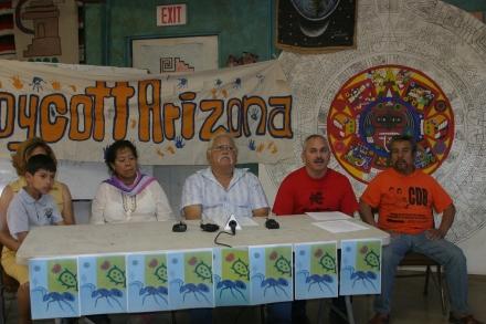 Los miembros de los Comités de Defensa del Barrio le piden a los artistas que vengan a tocar gratis y en regiones pertenecientes a las tribus.